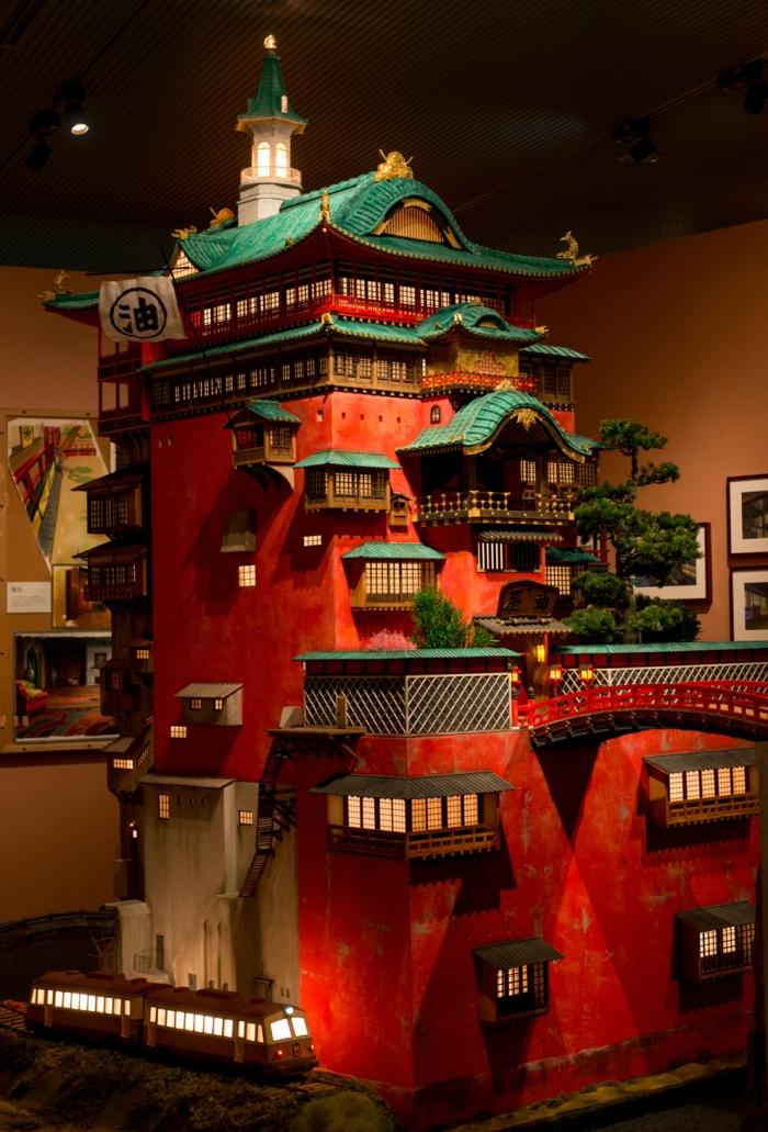 華麗的油屋模型 (c) Studio Ghibli 本圖檔由江戶東京建築園提供