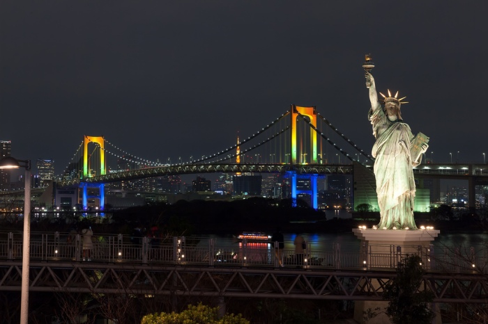 台場海濱公園夜景 圖片取自:https://www.flickr.com/photos/neolager/17026728829/