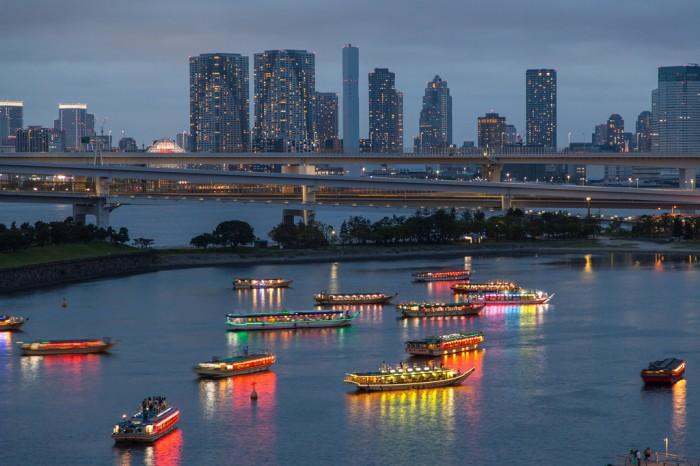 台場海濱的屋形船 圖片取自:http://photozou.jp/photo/show/2344938/179006522