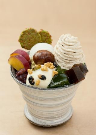 秋季限定:燕麥仙貝抹茶甜點。圖片取自官網:http://www.giontsujiri.co.jp/saryo/
