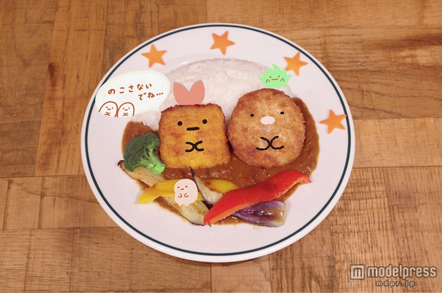 炸蝦君與豬排君咖哩飯。圖片取自:http://travel.mdpr.jp/photo/detail/1801477