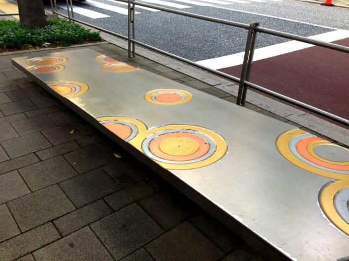 六本木路邊藝術。圖片取自:http://mcha.jp/70409