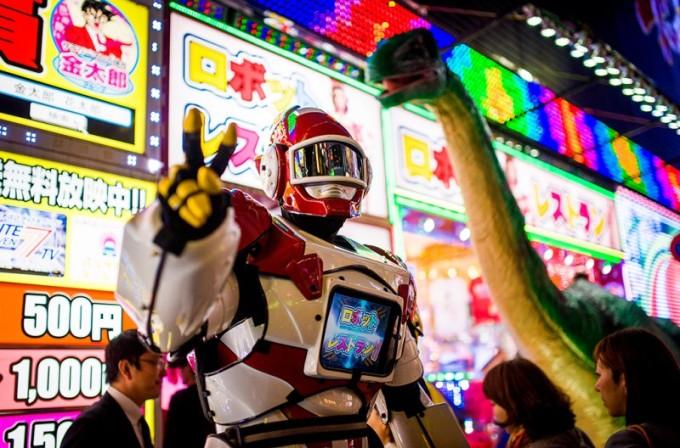 robot-restaurant-peace-robot-800x528